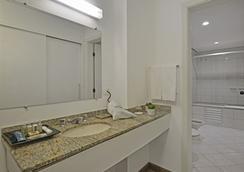 库里提巴德维尔商务酒店 - 库里提巴 - 浴室