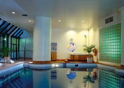 悉尼港万豪酒店 - 悉尼 - 游泳池