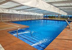 瑟维集团滨海沙滩酒店 - 莫哈卡尔 - 游泳池