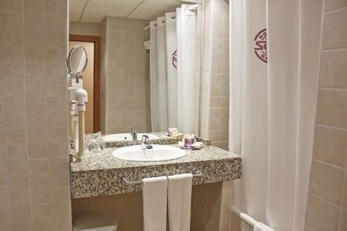瑟维集团滨海沙滩酒店 - 莫哈卡尔 - 浴室