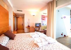 瑟维集团滨海沙滩酒店 - Mojacar - 睡房