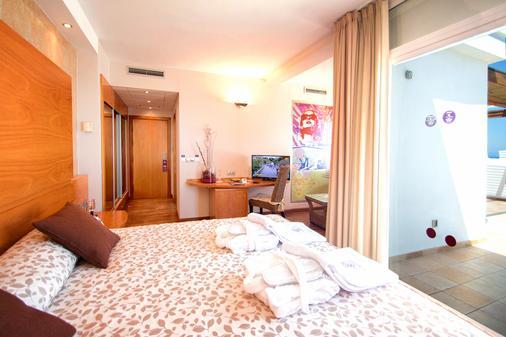 瑟维集团滨海沙滩酒店 - 莫哈卡尔 - 睡房