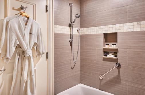 海港景酒店 - 查尔斯顿 - 浴室