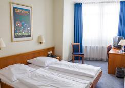 艾姆阿德娜乌尔普拉塔全景宾馆 - 柏林 - 睡房