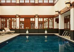 伦敦萨沃依饭店 - 伦敦 - 游泳池