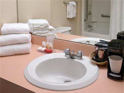 华美达酒店 - 大西洋城 - 浴室
