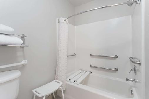 温德姆奥兰多环球度假村山楂套房天空酒店 - 拿坡里 - 浴室