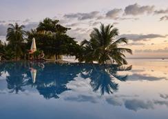 富国岛盛泰乐精选晨曦水疗及度假村 - Phu Quoc - 游泳池