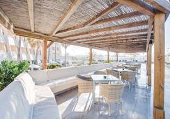 丰塔内利亚斯海滩公寓式酒店 - 马略卡岛帕尔马 - 休息厅