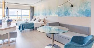 丰塔内利亚斯海滩公寓式酒店 - 马略卡岛帕尔马 - 睡房