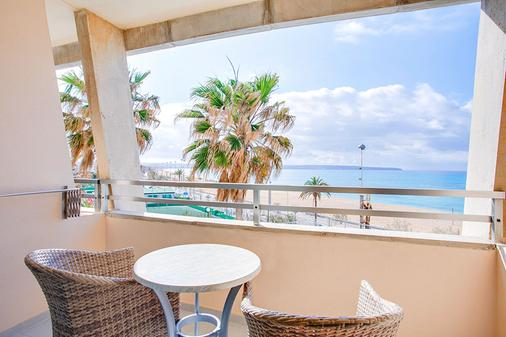 丰塔内利亚斯海滩公寓式酒店 - 马略卡岛帕尔马 - 阳台
