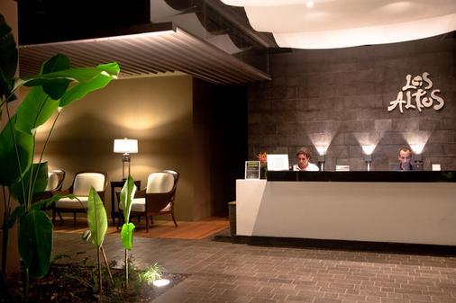 Los Altos Resort - 曼努埃尔安东尼奥 - 柜台