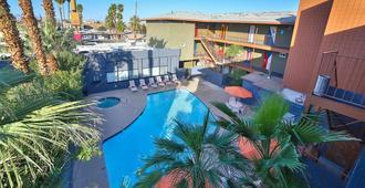 拉斯维加斯旅舍 - 拉斯维加斯 - 游泳池
