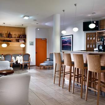 纽伦堡阿格尼斯舍弗酒店 - 纽伦堡 - 酒吧