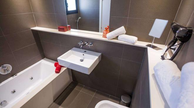 米格乔恩伊维萨套房及水疗中心 - 伊维萨镇 - 浴室