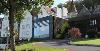 双树希尔顿布里斯托尔南部-凯德伯里别墅酒店 - 布里斯托