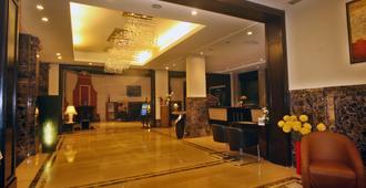 帕尔高地酒店 - 布巴内斯瓦尔