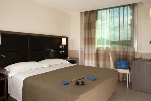 亚缇斯酒店 - 罗马 - 睡房