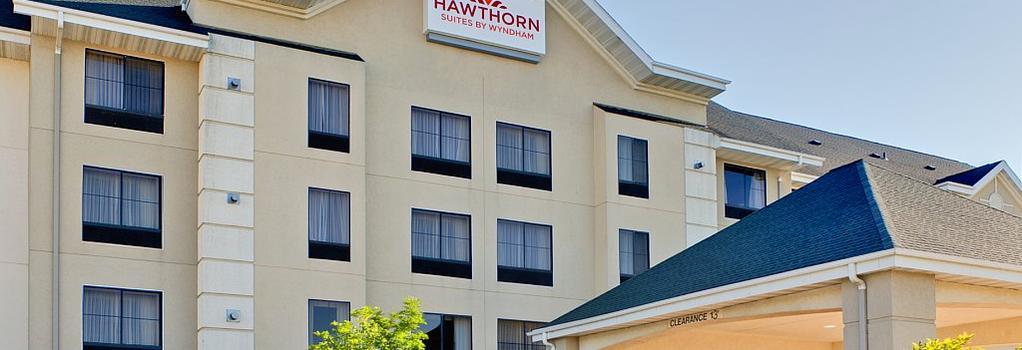 锡达拉皮兹北部乡村套房酒店 - Cedar Rapids - 建筑