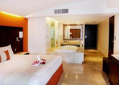 阿祖尔伊斯塔帕豪华式套房酒店 - 温泉及会议中心 - 伊斯塔帕 - 睡房