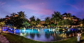 巴厘岛大阿斯顿沙滩度假村 - South Kuta - 游泳池