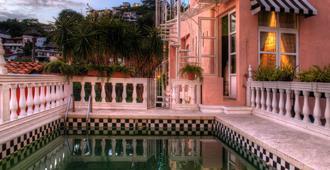 里维拉德尔里奥精品酒店 - 巴亚尔塔港 - 游泳池