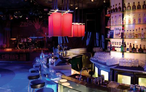 吉隆坡希尔顿酒店 - 吉隆坡 - 酒吧