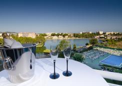 贝勒由维拉戈蒙特酒店 - 阿尔库迪亚 - 露天屋顶