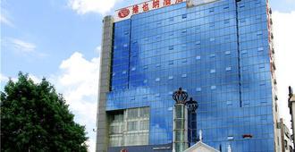 维也纳3好酒店(深圳平湖广场店) - 深圳 - 建筑