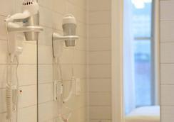 苏活花园酒店 - 纽约 - 浴室