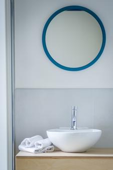 阿尔巴酒店 - 马里纳-迪-皮特拉桑塔 - 浴室