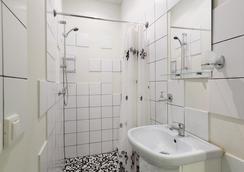 圣彼得堡G73车站酒店 - 圣彼德堡 - 浴室