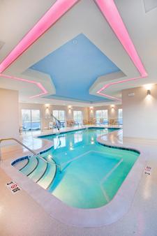 温泉城智选假日酒店 - Hot Springs - 游泳池