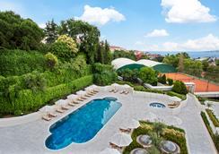 伊斯坦布尔康莱德酒店 - 伊斯坦布尔 - 游泳池