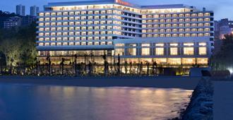 特拉布宗华美达广场酒店 - 特拉布宗