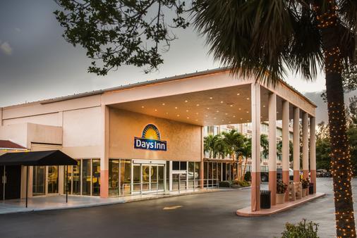 戴斯迈阿密国际机场酒店 - 迈阿密 - 建筑