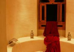 里亚德康巴莱特酒店 - 索维拉 - 浴室