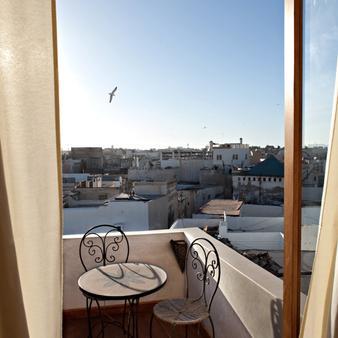 里亚德康巴莱特酒店 - 索维拉 - 阳台