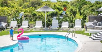 布里克斯蒙托克汽车旅馆 - 蒙托克 - 游泳池