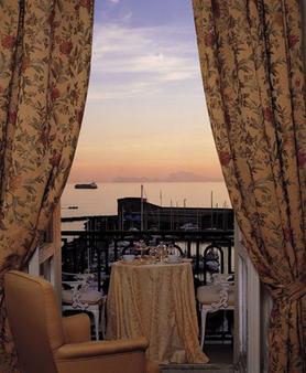 艾克塞尔西亚欧洲之星酒店 - 那不勒斯 - 阳台