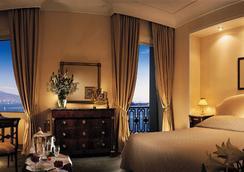 艾克塞尔西亚欧洲之星酒店 - 那不勒斯 - 睡房