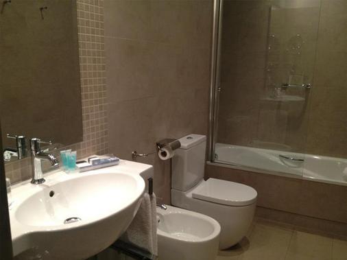 欧洲之星科尔多瓦庭院酒店 - 科尔多瓦 - 浴室
