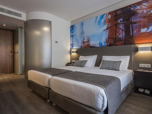 英雄欧洲之星酒店 - 波尔图 - 睡房
