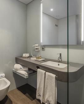 英雄欧洲之星酒店 - 波尔图 - 浴室