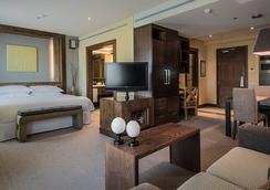 米拉斯拉欧洲之星套房酒店 - 马德里 - 睡房