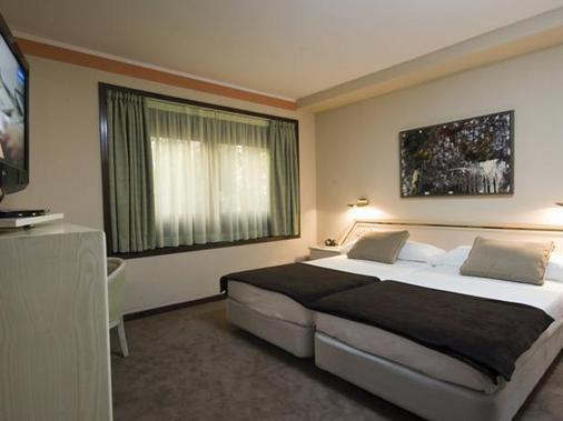欧洲之星波士顿酒店 - 萨拉戈萨 - 睡房