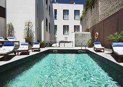 赛维利亚精品欧洲之星酒店 - 塞维利亚 - 游泳池