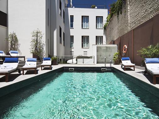 塞维利亚欧洲之星酒店 - 塞维利亚 - 游泳池