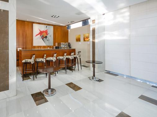 科尔多瓦埃克斯赛达迪酒店 - 科尔多瓦 - 酒吧
