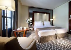 格兰大道欧洲之星酒店 - 格拉纳达 - 睡房